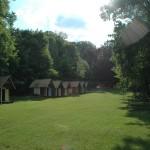 Pohled na tábor od hlavní budovy